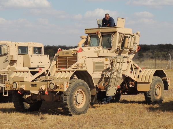 land_forces_africa_2013_demonstration_day_18_20130723_1865579541